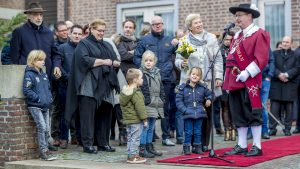 burgemeester feestelijk welkom wilhelminaplein