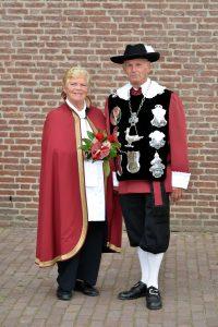 Koning Harrie Vestjens en erekoning Riek Haazen-Engelen